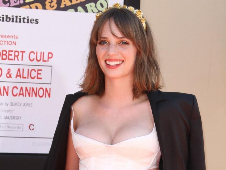 Maya Hawke (Robin) se lance dans la musique — Stranger Things (Netflix)