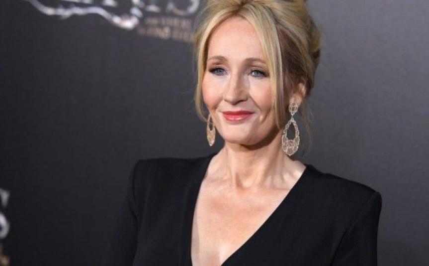 JK Rowling feuilletonne son nouveau livre