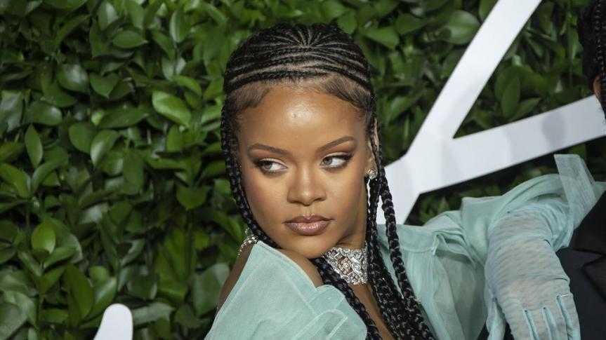 Blessée, la chanteuse victime d'un accident de scooter électrique — Rihanna